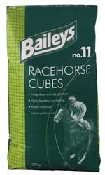 These high energy cubes are formulated as a lower starch alternative to Racehorse Mix and are the preferred choice for those prone to excitable behaviour or digestive.